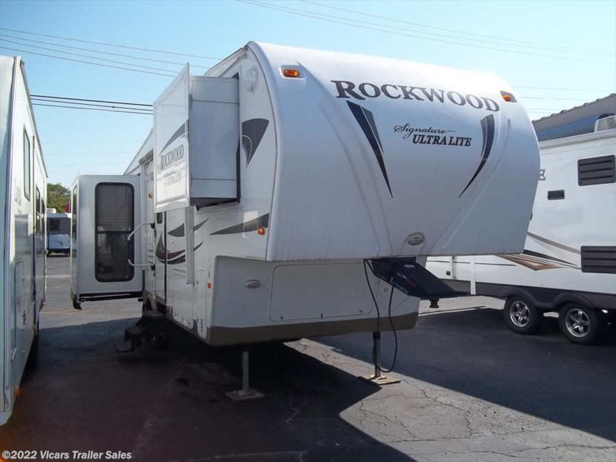 2011 Forest River Rockwood Signature Ultra Lite 8265WS