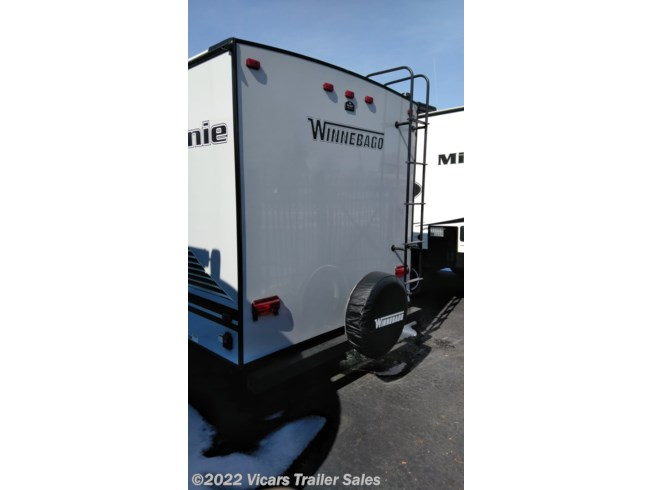2019 Micro Minnie 2106DS (Platinum/Stone) by Winnebago from Vicars Trailer Sales in Taylor, Michigan