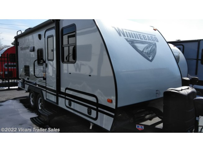 2019 Winnebago Micro Minnie 2106DS (Platinum/Stone) - New Travel Trailer For Sale by Vicars Trailer Sales in Taylor, Michigan
