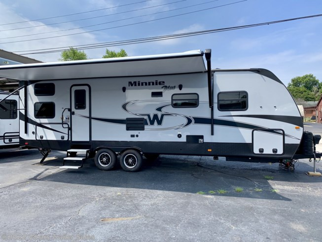 2019 Minnie Plus 27BHSS by Winnebago from Vicars Trailer Sales in Taylor, Michigan