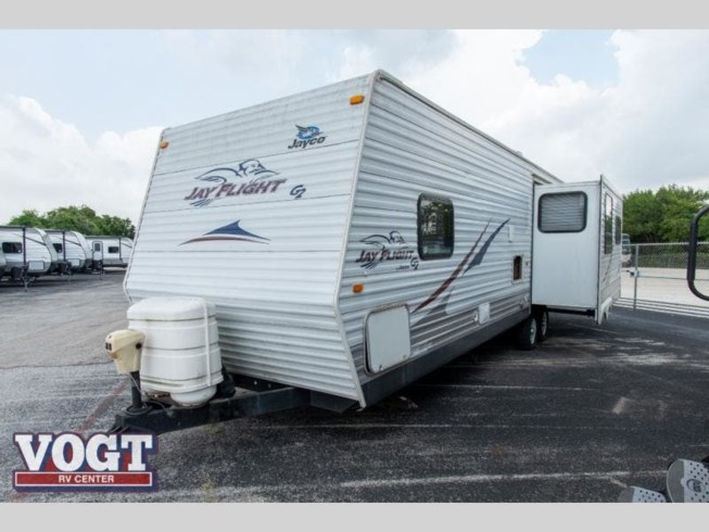 2009 Jayco Jay Flight 32RLS - Used Travel Trailer For Sale by Vogt Family Fun Center in Fort Worth, Texas