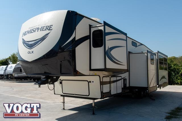 2021 Forest River Salem Hemisphere 370BL - Used Fifth Wheel For Sale by Vogt Family Fun Center  in Fort Worth, Texas features Slideout