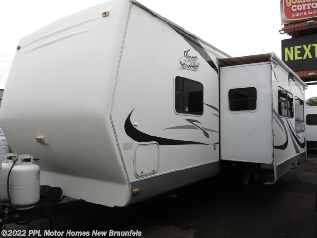 Used 2005 Thor Jazz 2610FQ available in New Braunfels, Texas