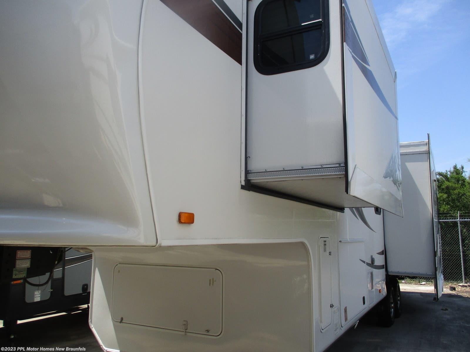 2012 Jayco RV Pinnacle 34 RLTS for Sale in New Braunfels, TX 78130 | F132NB