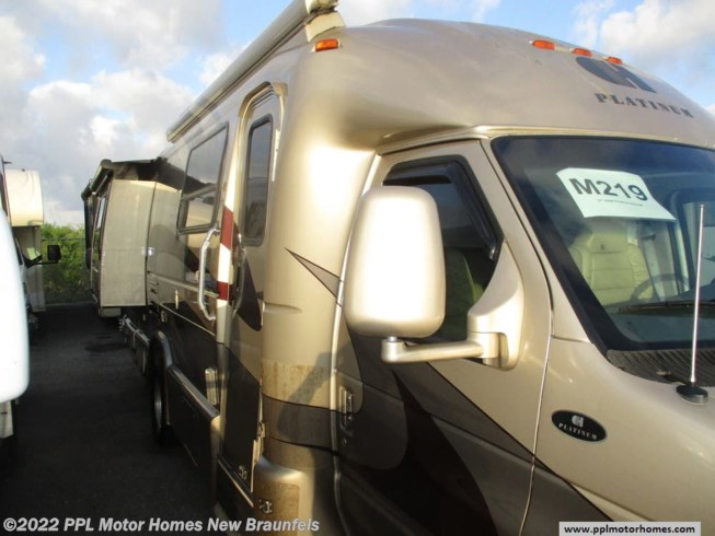 2008 Coach House Platinum 272XL - Used Class C For Sale by PPL Motor Homes in New Braunfels, Texas features Air Conditioning, Automatic Leveling Jacks, DVD Player, External Shower, Generator, Hitch, Leveling Jacks, Microwave, Non-Smoking Unit, Refrigerator, Slideout, Stove, TV, Water Heater