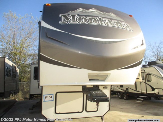 Used 2016 Keystone Montana 3402RL available in New Braunfels, Texas