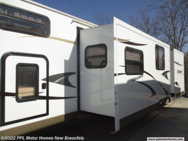 Used 2013 Forest River Rockwood Windjammer 3006WK available in New Braunfels, Texas