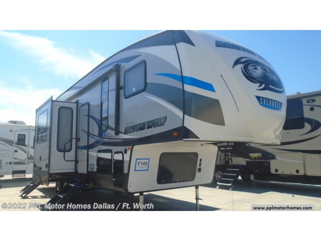 2018 Cherokee Arctic Wolf Limited 305ML6 by Forest River from PPL Motor Homes in Cleburne, Texas