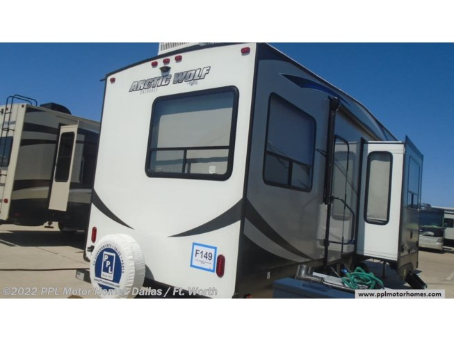 Used 2018 Forest River Cherokee Arctic Wolf Limited 305ML6 available in Cleburne, Texas