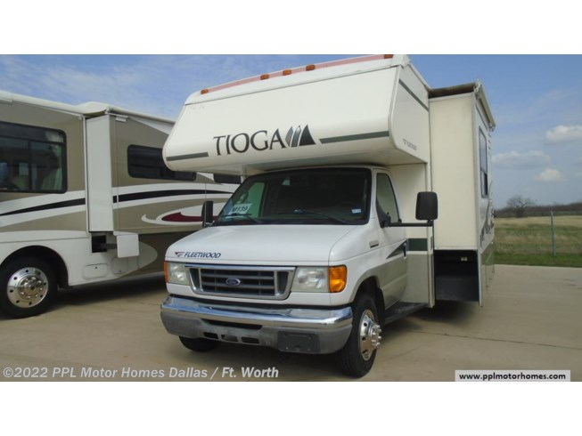 Used 2006 Fleetwood Tioga 31M available in Cleburne, Texas