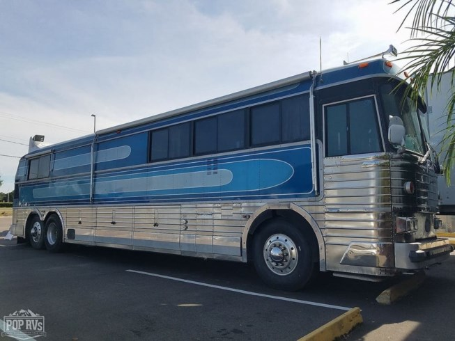 1969 MCI MCI 40 Challenger - Used Bus Conversion For Sale by POP RVs in Tampa, Florida features Air Conditioning, Generator