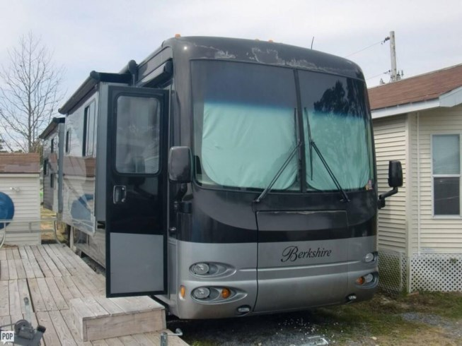 2009 Berkshire 390BH by Forest River from POP RVs in Fawn Grove, Pennsylvania