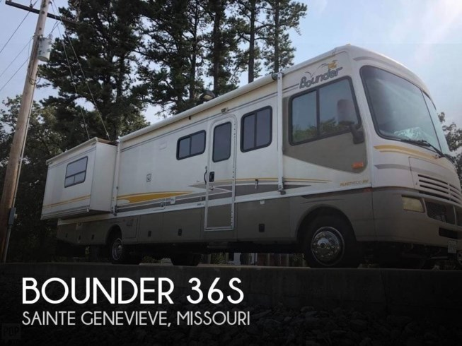 Used 2003 Fleetwood Bounder 36S available in Sainte Genevieve, Missouri