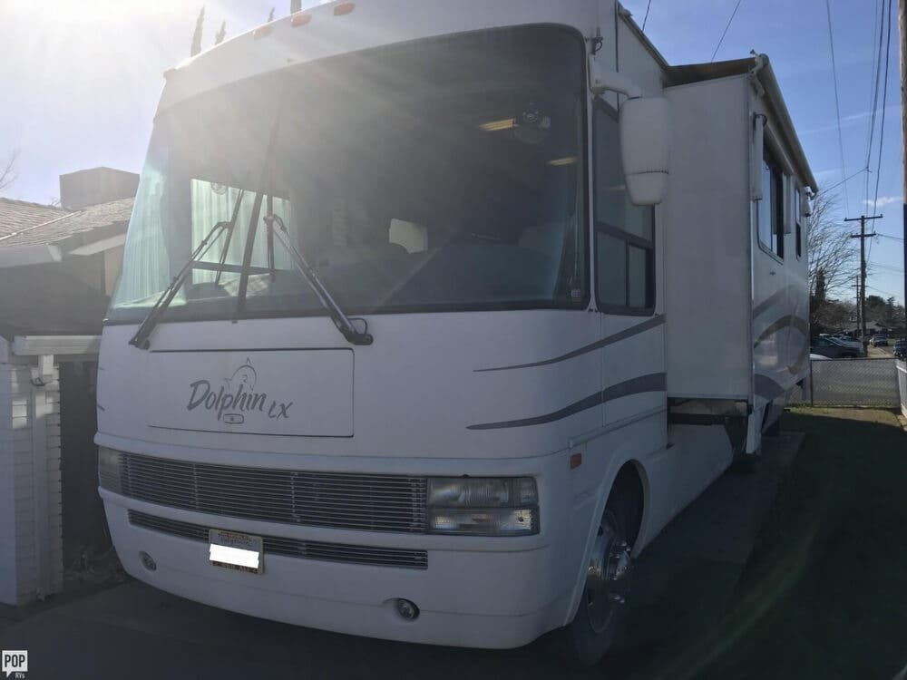 2003 National RV RV Dolphin M-6356LX for Sale in Olivehurst, CA 95961 on