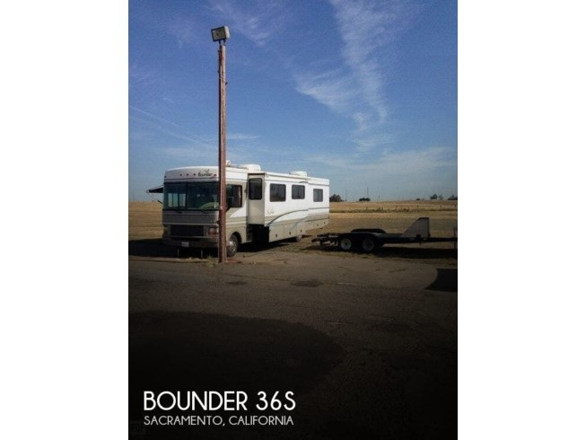 Used 2000 Fleetwood Bounder 36S available in Sacramento, California