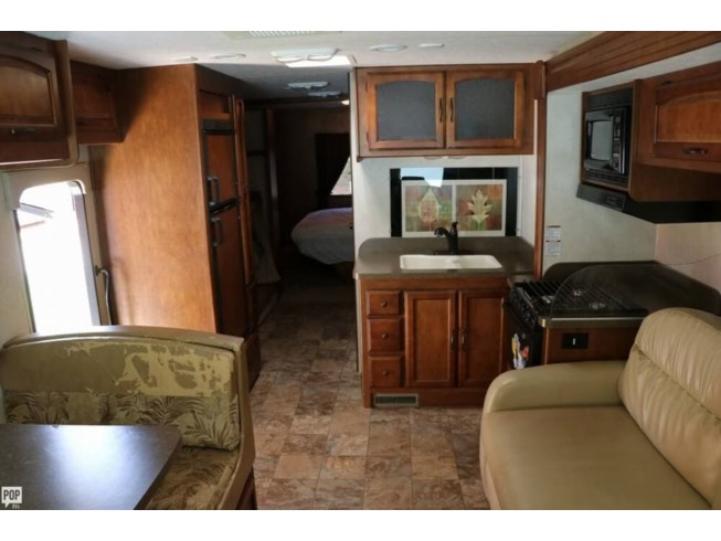 2013 Coachmen Mirada 32 BH SE - Used Class A For Sale by POP RVs in Cartersville, Georgia features Air Conditioning, Awning, Generator, Leveling Jacks, Slideout