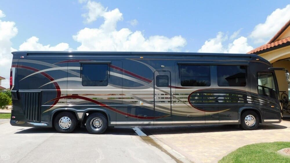 2014 Newell Rv Coach 45 Quad Slide For Sale In Titusville Fl 32780 175096