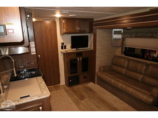 2018 Dutchmen Coleman Light 1805RB - Used Travel Trailer For Sale by POP RVs in Locust Grove, Georgia features Air Conditioning, Awning, Leveling Jacks, Slideout