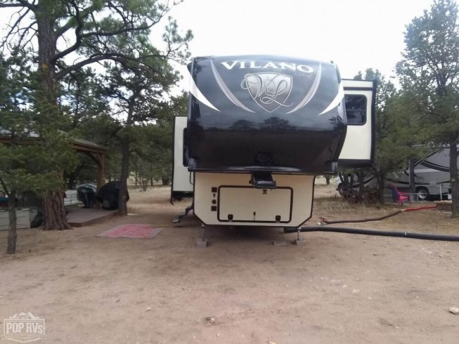 2017 Vanleigh Vilano 325RL - Used Fifth Wheel For Sale by POP RVs in Datil, New Mexico features Slideout, Leveling Jacks, Air Conditioning, Awning