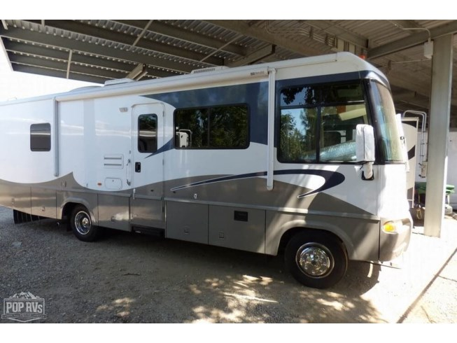 2005 Itasca Sunrise 31W - Used Class A For Sale by POP RVs in Santee, California features Air Conditioning, Awning, Generator, Leveling Jacks, Slideout