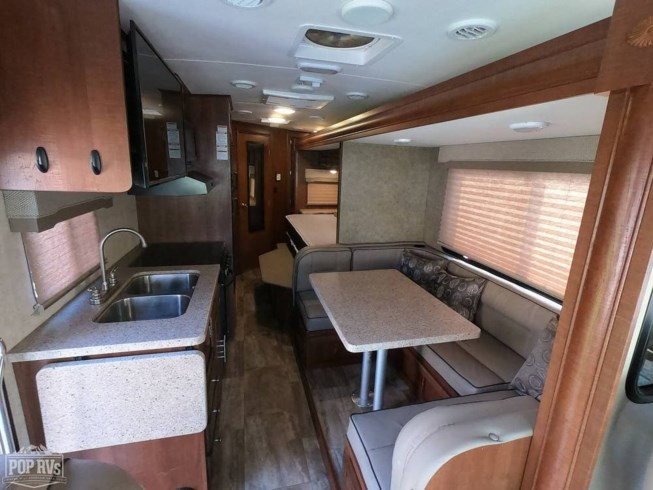 2017 Forest River Georgetown 24W3 - Used Class A For Sale by POP RVs in Oceanside, California features Air Conditioning, Awning, Generator, Leveling Jacks, Slideout