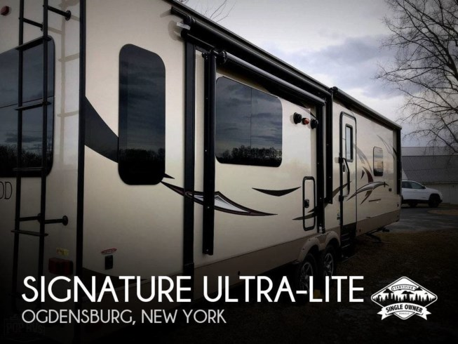 Used 2017 Rockwood Signature Ultra-Lite 8329SS available in Ogdensburg, New York