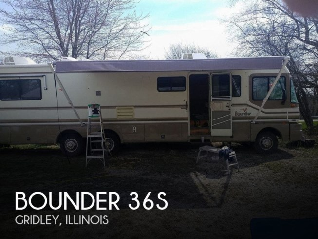 Used 1996 Fleetwood Bounder 36S available in Gridley, Illinois