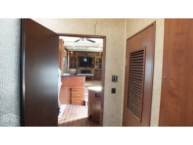 2013 Dutchmen Komfort 3650FFL - Used Fifth Wheel For Sale by POP RVs in Fort Benning, Georgia features Air Conditioning, Awning, Leveling Jacks, Slideout