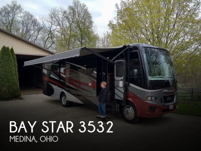 Used 2018 Newmar Bay Star 3532 available in Medina, Ohio