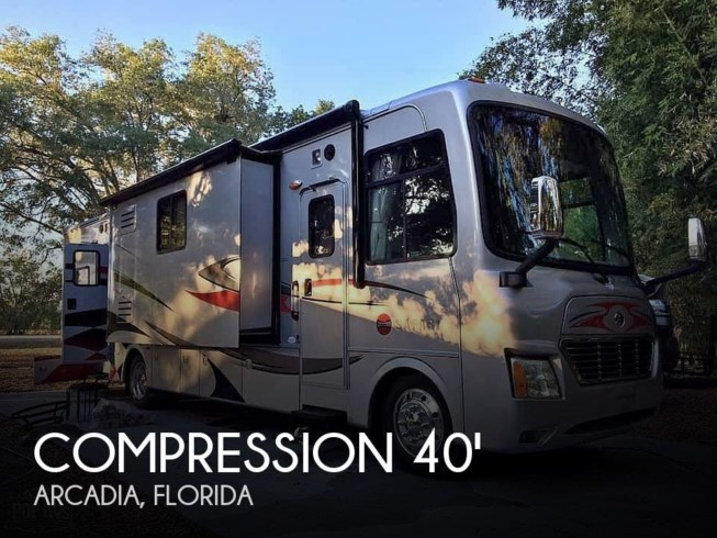 Used 2009 Safari Compression 37SBD Toy Hauler available in Arcadia, Florida