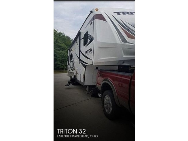 Used 2016 Dutchmen Voltage Triton 32 available in Lakeside Marblehead, Ohio