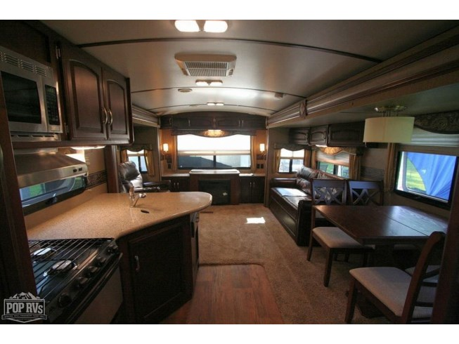 2015 Keystone Outback 298RE - Used Travel Trailer For Sale by POP RVs in Reading, Ohio features Air Conditioning, Awning, Leveling Jacks, Slideout