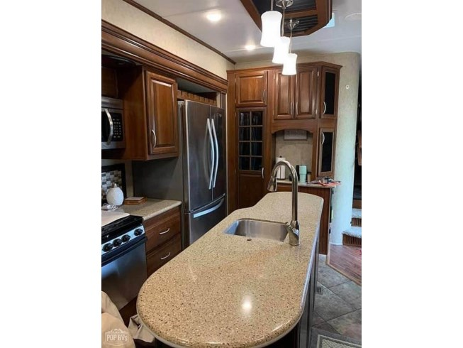 2017 Prime Time Sanibel SNF3551 - Used Fifth Wheel For Sale by POP RVs in Milton, Wisconsin features Air Conditioning, Slideout
