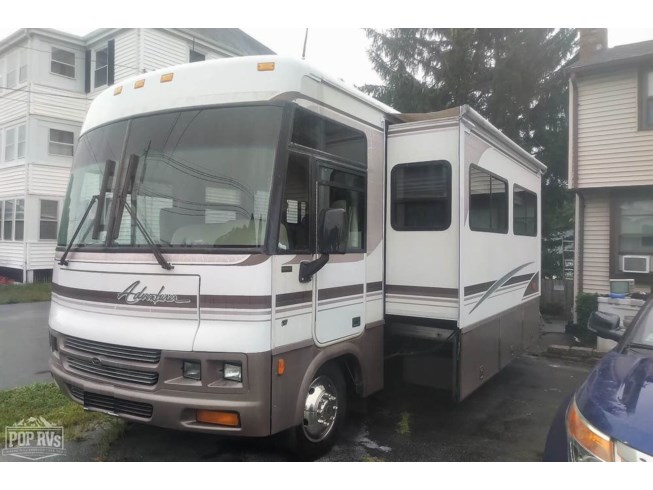 2000 Winnebago Adventurer 32V - Used Class A For Sale by POP RVs in Saugus, Massachusetts features Generator, Air Conditioning, Awning, Slideout