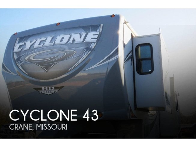 Used 2013 Heartland Cyclone CY3800 available in Crane, Missouri