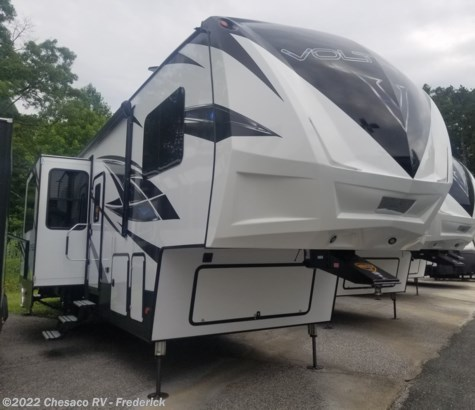 New 2019 Dutchmen Voltage V3605 For Sale by Chesaco RV - Frederick available in Frederick, Maryland