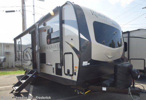 New 2020 Forest River Rockwood Ultra Lite 2608BSD For Sale by Chesaco RV - Frederick available in Frederick, Maryland
