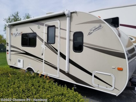 Used 2016 Shasta Flyte 185FQS For Sale by Chesaco RV - Shoemakersville available in Shoemakersville, Pennsylvania