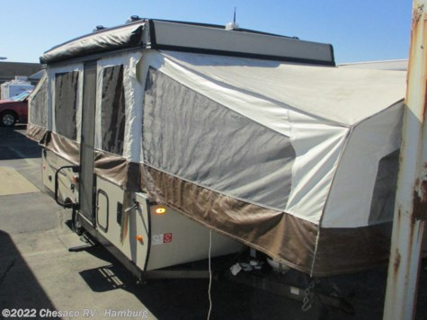 Used 2018 Forest River Rockwood Freedom 2318G For Sale by Chesaco RV - Shoemakersville available in Shoemakersville, Pennsylvania