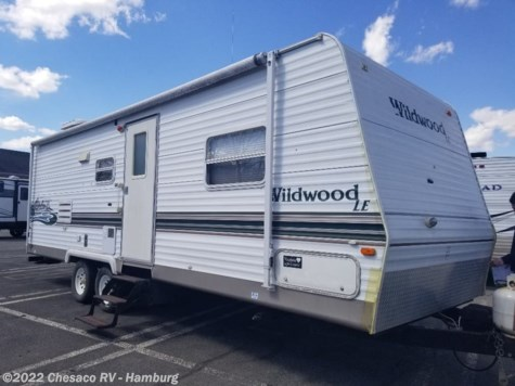 Used 2004 Forest River Wildwood 27FBSS For Sale by Chesaco RV - Shoemakersville available in Shoemakersville, Pennsylvania