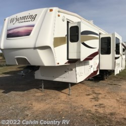 2009 Coachmen Wyoming  338 RLQS  - Fifth Wheel Used  in Depew OK For Sale by Calvin Country RV call 918-205-2272 today for more info.
