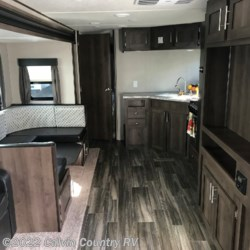 Calvin Country RV 2019 Shasta 28BH  Travel Trailer by Shasta | Depew, Oklahoma