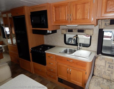 MH 2007 Thor Motor Coach Hurricane 30Q Sofa Bed Dinette Island Queen Bed for sale in