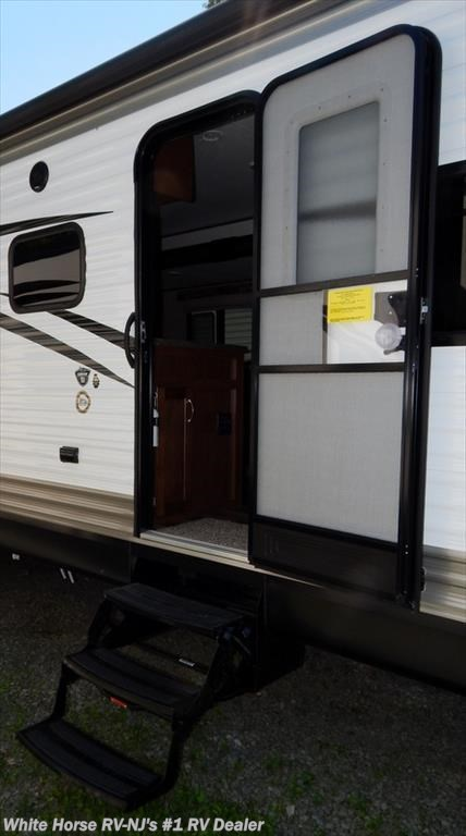 2 Bedroom Trailers For Sale: 2017 Jayco RV Jay Flight SLX 32BDSW 2-Bedroom Double