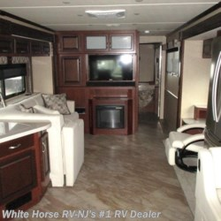 White Horse RV Center (Galloway Twp) 2017 Bounder 36Y  Class A by Fleetwood | Egg Harbor City, New Jersey