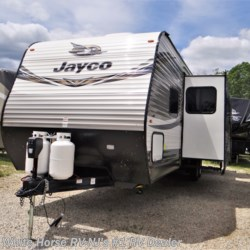 New 2019 Jayco Jay Flight 32TSBH 2-Bdrm Triple Slide with Outside Kitchen For Sale by White Horse RV Center (Williamstown) available in Williamstown, New Jersey