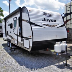 New 2020 Jayco Jay Flight SLX 224BH Front Bedroom Rear Bath For Sale by White Horse RV Center (Williamstown) available in Williamstown, New Jersey