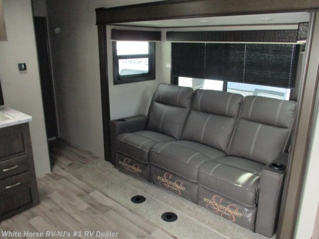 "New 2021 Jayco Octane ZX Super Lite 293 Queen Bed, U-Dinette Slide w/12'6"" garage available in Williamstown, New Jersey"