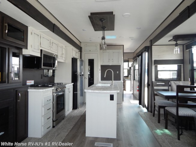 New 2021 Jayco Jay Flight Bungalow 40RLTS available in Williamstown, New Jersey