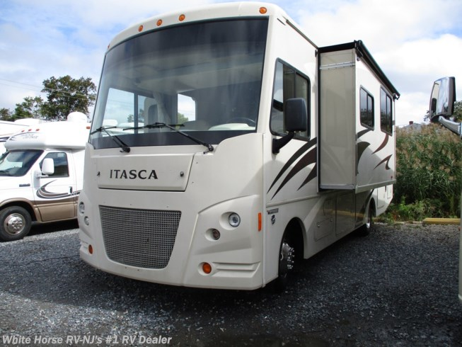 Used 2015 Itasca Sunstar 31KE U-Dinette & Sofa/Bed Slide available in Williamstown, New Jersey